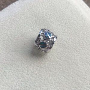 Jewelry - Turquoise Turtle barrel charm